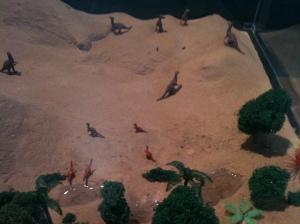 Esta maquete mostra como era a região no tempo dos dinossauros